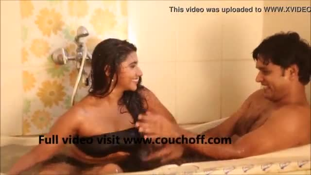 Hot indian actress shooting showing nipple